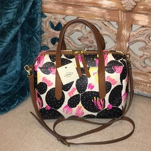🌺Fossil Haley Black Floral Satchel NWT